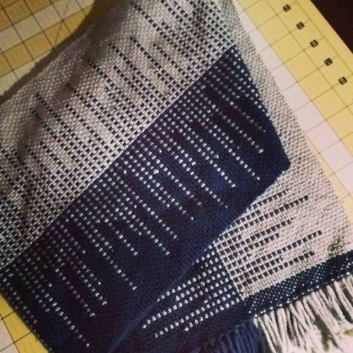 clasped weft man's scarf2